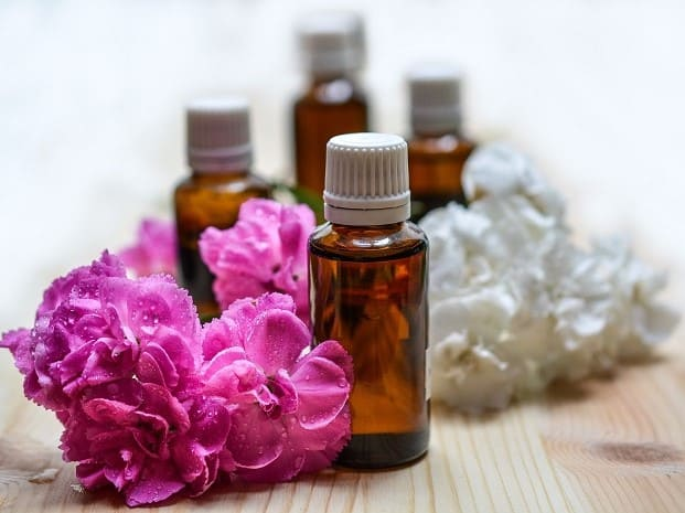 essential-oils-bottles used for cleaning