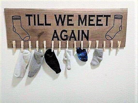 Vinyl washing sign for laundry. Sock and 'til we meet again'. Easy DIY project.