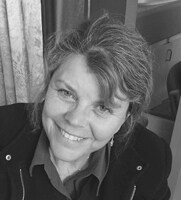 Profile image of Sue - founder of Create With Sue