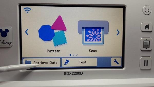 Scan N Cut screen to retrieve the data